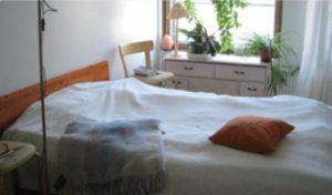 寝心地のよいベッドの風景