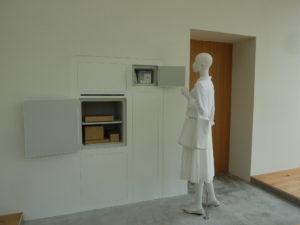 冷蔵庫が外から空けられる開く家の室内側写真